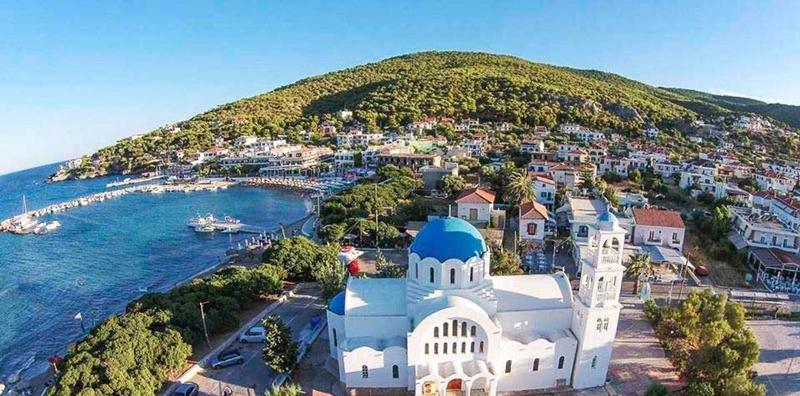 dovolená na plachetnici, dovolená na lodi, dovolená na jachtě, dovolená v Řecku, dovolená na ostrovech, dovolená u moře, kam na dovolenou, plavba na plachetnici, plavba na lodi, plavba na jachtě, plavba v řecku, plavba na dovolené, plavba na moři, moře, pohoda u moře, krásné pláže, krásné zátoky, romantika u moře, romantika na lodi, romantika na plachetnici, lodí kolem ostrovů, zátoky na ostrovech, Řecko, Řecko na plachetnici, Řecko na lodi, Řecko na jachtě, řecké ostrovy, řecké pláže, jachtou po ostrovech, pronájem lodí, pronájem plachetnic, charter, charter lodí, charter plachetnic