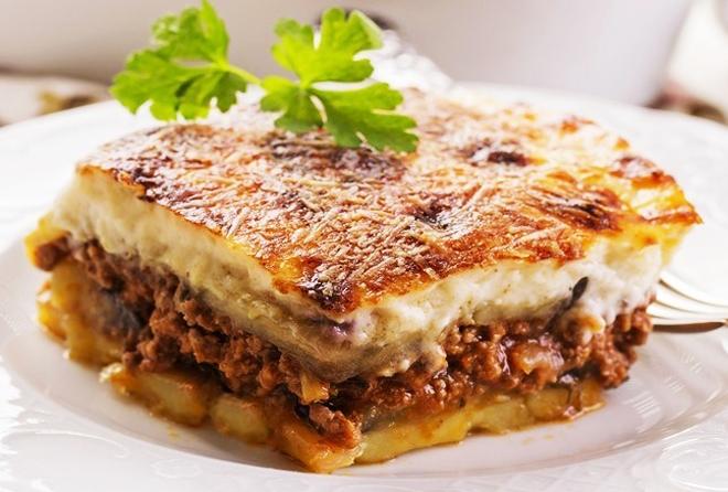 musaka je trdiční řecký pokrm