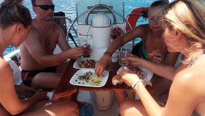 krevety, mořské plody, dovolená, relax, odpočinek, plavba na lodi, charter, Řecko