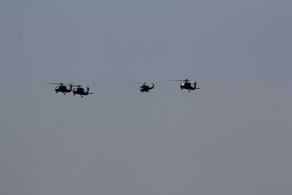 vojenské námořnictvo, vrtulníky nad mořem, řecké vojenské námořní síly