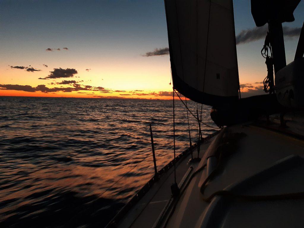 dovolená na plachetnici, dovolená na lodi, dovolená na jachtě, dovolená v Řecku, dovolená na ostrovech, dovolená u moře, kam na dovolenou, plavba na plachetnici, plavba na lodi, plavba na jachtě, plavba v řecku, plavba na dovolené, plavba na moři, moře, pohoda u moře, krásné pláže, krásné zátoky, romantika u moře, romantika na lodi, romantika na plachetnici, romantika na jachtě, lodí kolem ostrovů, zátoky na ostrovech, Řecko, Řecko na plachetnici, Řecko na lodi, Řecko na jachtě, řecké ostrovy, řecké pláže, jachtou po ostrovech, pronájem lodí, pronájem plachetnic, pronájem plachetnice, pronájem jachty, charter, charter lodí, charter plachetnic, charter jachet, jachting, jachting v Řecku, jachting na řeckých ostrovech, yachting, yachting v Řecku, rybolov, rybolov v Řecku, rybolov na plachetnici, řecké ostrovy, kondiční plavby, plavba na lodi v noci, noční plavba